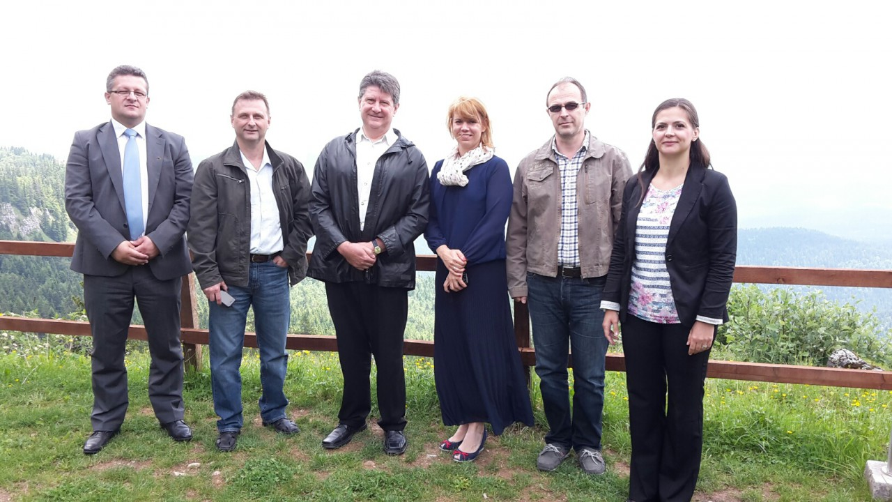 2015-BOSNIA-HERCEGOVINA, VISIT TO NON-EU CONTIRES